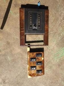 20号ブログ .CRR.レンジローバー. クラシック. 木目の レストアと 修理 内装系 その 2