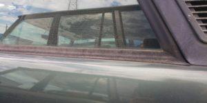 74号ブログ. レンジローバー、クラシック、CRR  ガラスの枠 ゴム交換 その1